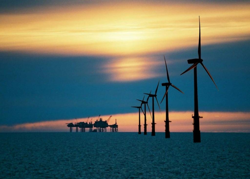 IEA: Vetrne elektrarne na morju bi lahko postale 900 milijard evrov vredna industrija