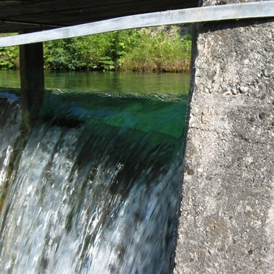 Komunala Trbovlje zagnala prvo malo hidroelektrarno