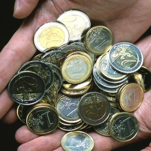 Vlada znižala trošarine in ohranila cene bencina in dizla nespremenjene