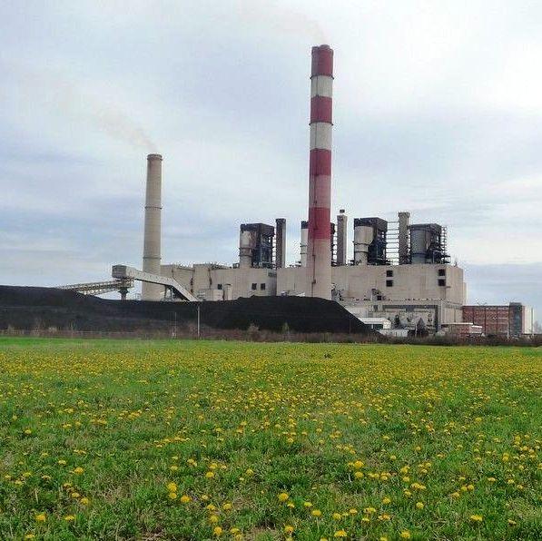 Carbon Tracker: Letos skoraj polovica premogovnih elektrarn po svetu nerentabilnih