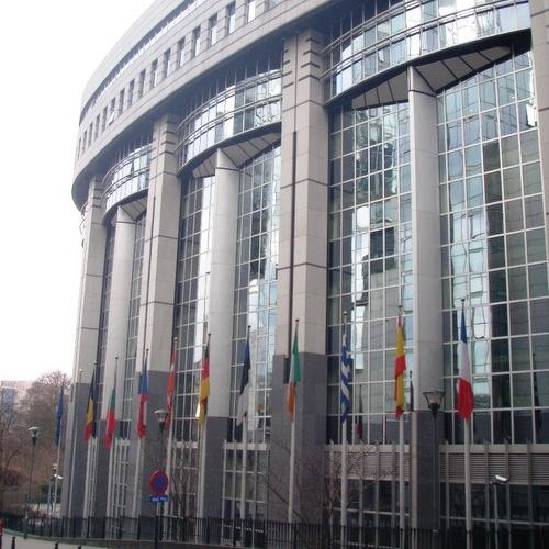 Evropski poslanci pozvali Evropsko komisijo, naj upošteva cilj 55 % zmanjšanja izpustov TGP do 2030