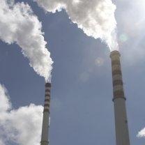Slovenija od EK dobila opomin zaradi prepoznega prenosa direktive o emisijah