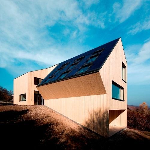 Slovenija ima velik potencial na področju modularne in predizdelane lesene gradnje
