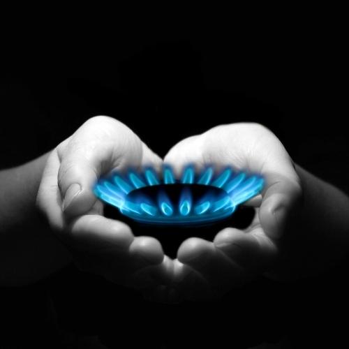 V aprilu zabeležen nadaljnji padec svetovnih cen plina