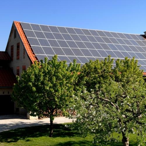 Vlada potrdila uredbo o samooskrbi z elektriko iz OVE