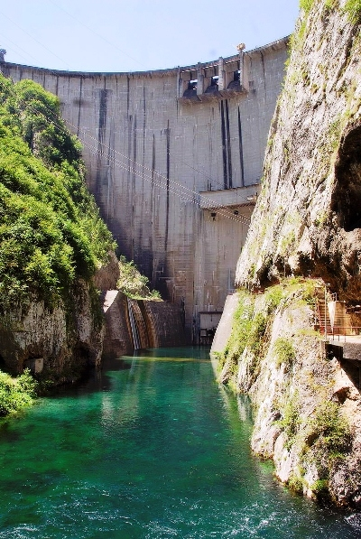 Montenegrin EPCG Signs Contract For Reconstruction of Generator 3 of Piva HPP