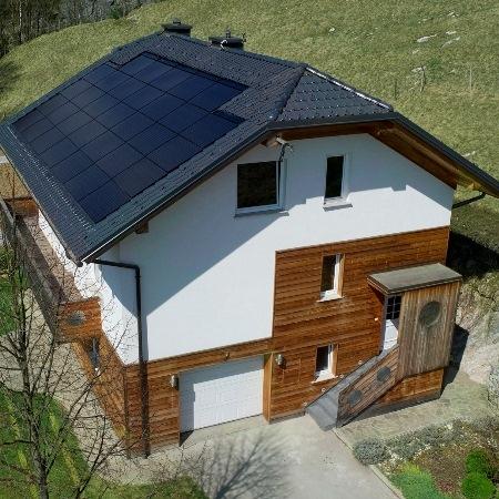 S souporabo mikro-PV elektrarne in TČ do energijske samooskrbe
