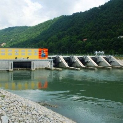 Slovenian power output in August falls 2% year on year - Surs