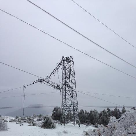 Extreme Weather Events Increase the Value of Power System Resilience