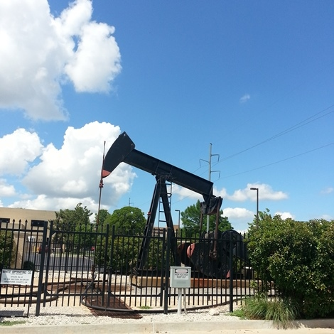 OIES: Svetovno povpraševanje po nafti bo še desetletja precejšnje