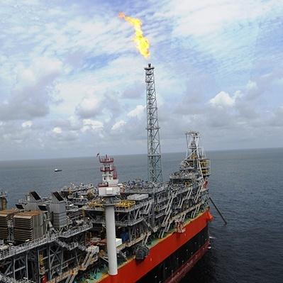 Največji premoženjski sklad na svetu iz portfelja umika naftna in plinska podjetja