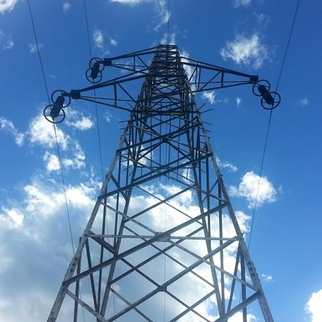 Obsežne poškodbe elektrodistribucijskega omrežja na območju Elektra Maribor