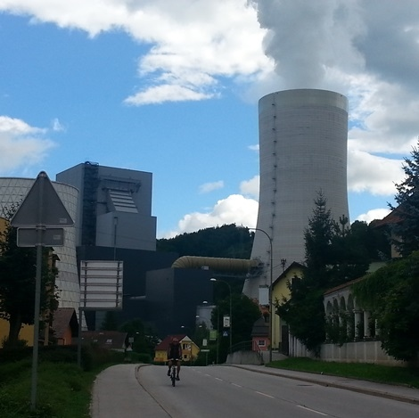 Slovenian Power Output Down 8% in September
