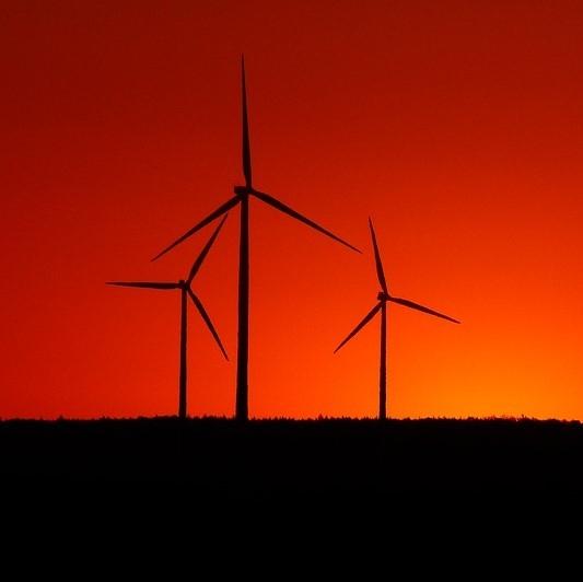V izdelavi strokovne podlage, terenske raziskave in okoljska poročila za več vetrnih polj v Sloveniji
