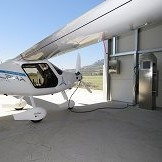 Pipistrel z ljubljanskimi študenti razvil prvo polnilnico za električna letala
