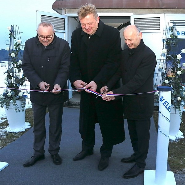 Vgradili prvi slovenski regulacijski transformator