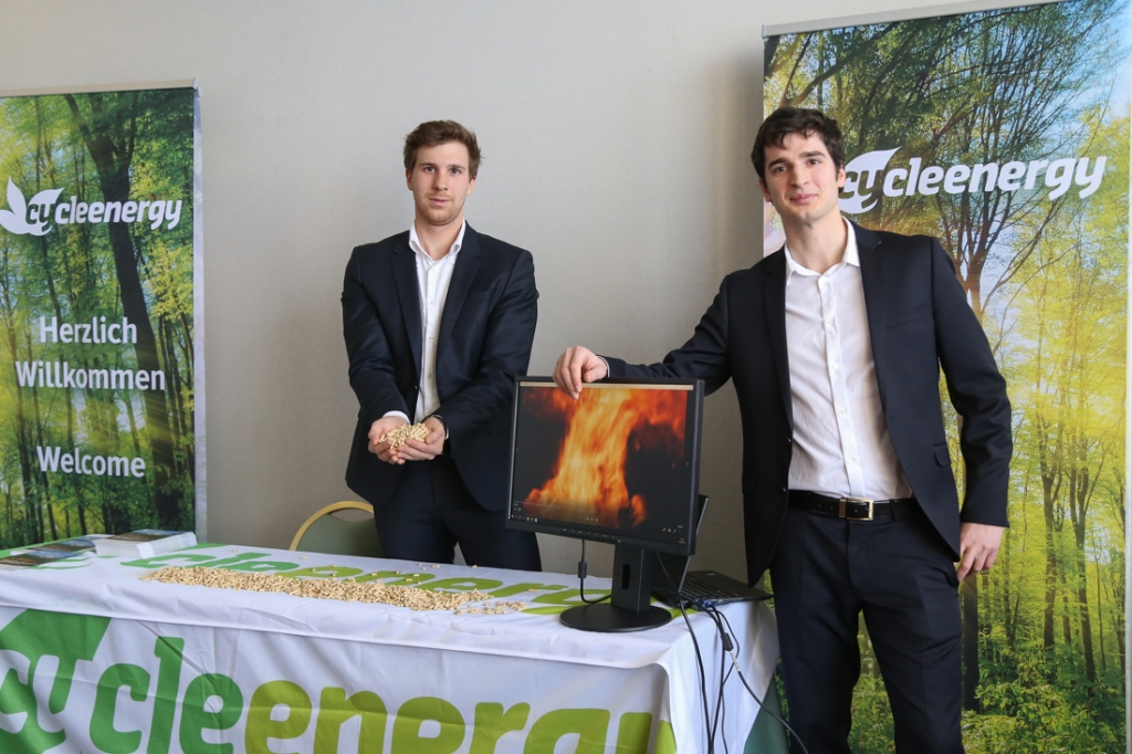 Avstrijski energetski holding si želi krepitev 'biomasnih povezav' s Slovenijo