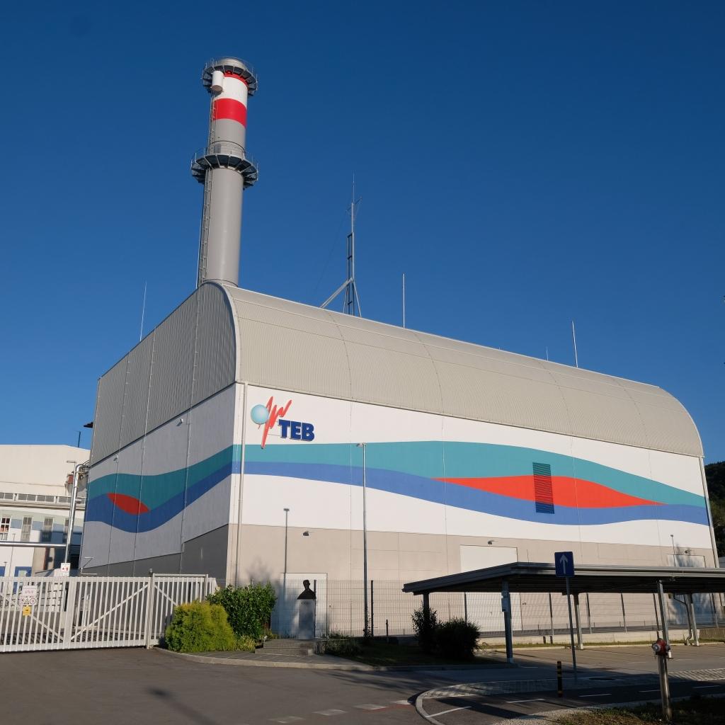 V Termoelektrarni Brestanica postavljajo dimnik za novi plinski blok