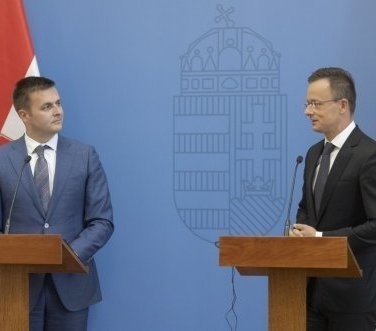 Hungary Interested in Leasing Part of Croatian LNG Terminal Capacity