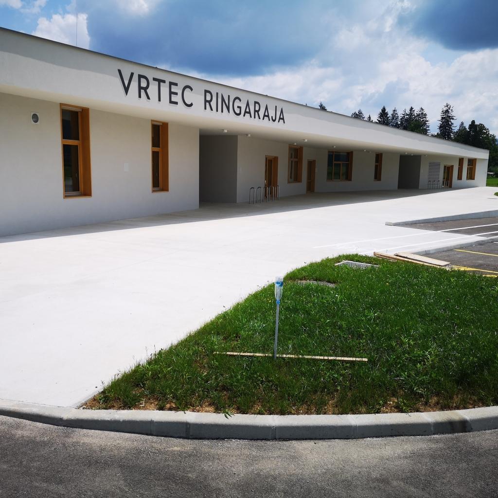 V občini Dobrepolje včeraj uradno odprli nov skoraj ničenergijski vrtec