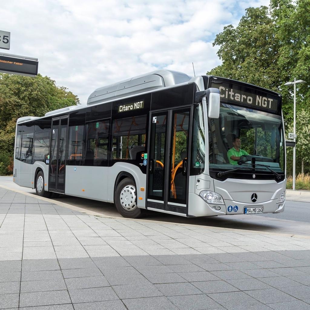 Ljubljana za 4,5 milijona evrov kupila 17 avtobusov na ZP