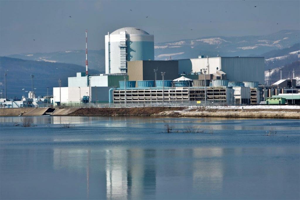 Krška nuklearka po remontu spet dobavlja električno energijo
