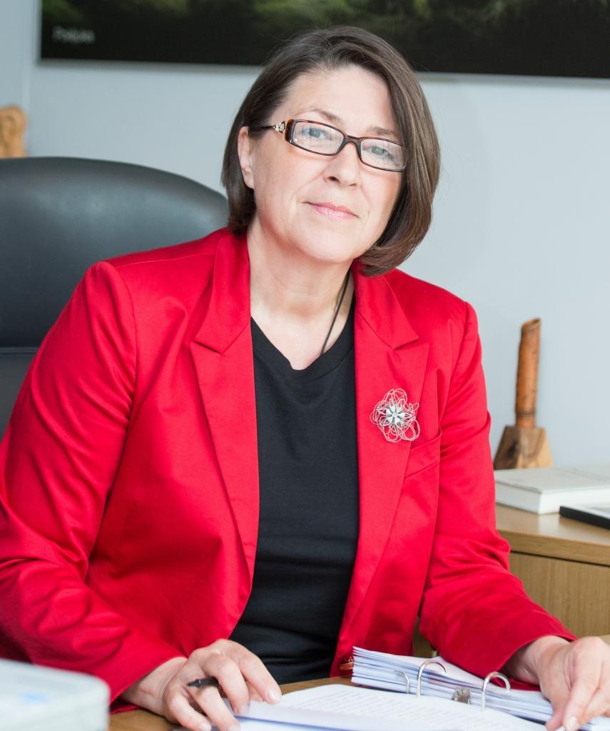 Violeta Bulc: Iz evropskega proračuna v naslednjih letih več milijard evrov za razogljičenje prometa