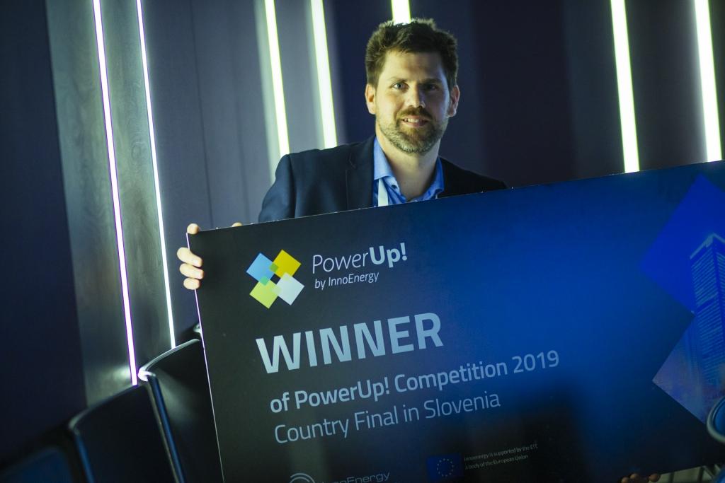 Zmagovalec slovenskega finala tekmovanja PowerUp! je sistem 2GG podjetja DS Meritve!