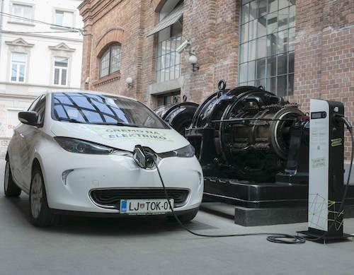 Polnjenje električnih vozil postalo plačljivo tudi na Gorenjskem
