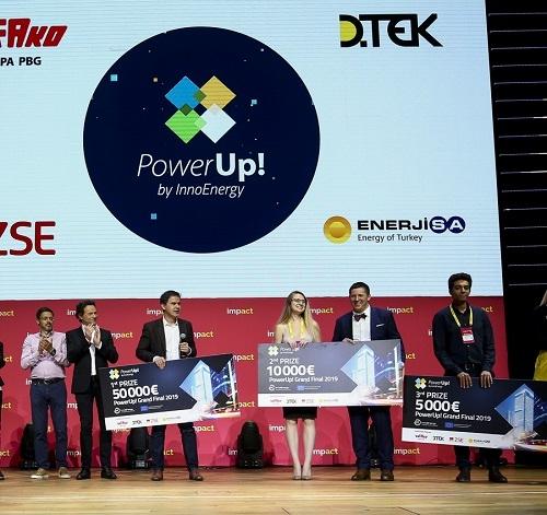 Ta petek lahko preko spleta spremljate tekmovanje PowerUp! Slovenija