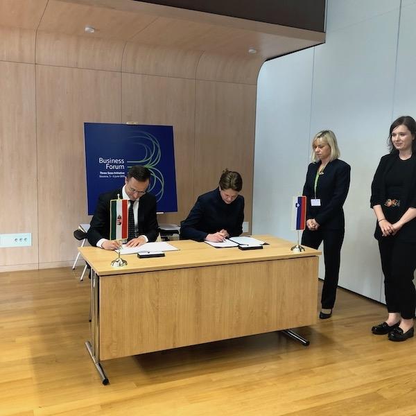 Szijjártó: Plinska in elektroenergetska povezanost s Slovenijo za Madžarsko zelo pomembna