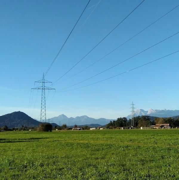 MIGRATE: Evropski operaterji prenosnih omrežij že beležijo težave s kakovostjo elektrike zaradi OVE