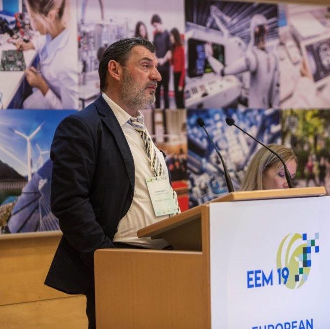 Dr. Saša Djokić, Univerza v Edinburgu: K demokratizaciji energetskih sistemov prispevajo tudi skupnostni energetski projekti