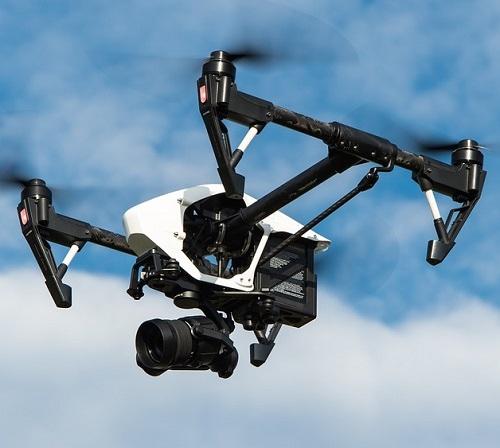 Roboti in droni dobivajo ključno vlogo v elektroenergetskih sistemih in energetskih podjetjih