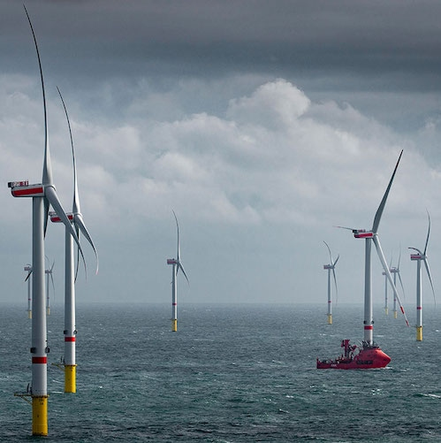 EK v novi strategiji cilja na 300 GW vetrnih elektrarn na morju do 2050