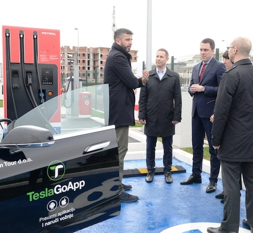 Petrol v Črni gori odprl 15. prodajno mesto, s prvo hitro polnilnico za električna vozila v državi