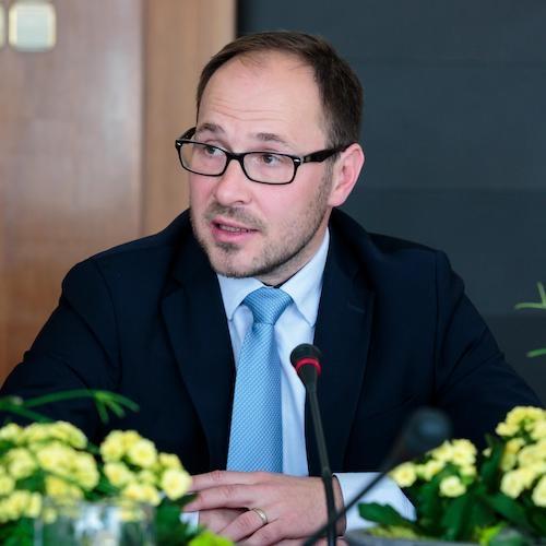 Vrtovec se je v razpravi z ministri EU zavzel za pospešitev investicij v energetiki