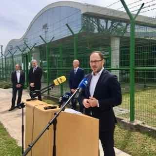Minister Vrtovec: Slovenija bo država z jedrsko opcijo