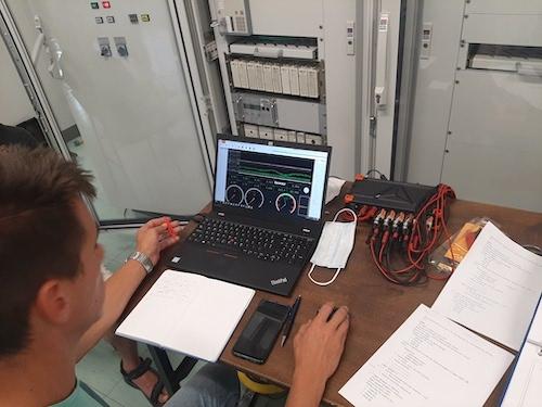 V DEM uspešno preizkusili novo funkcionalnost avtomatskega mehkega zagona agregata brez zunanjega napajanja
