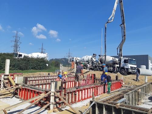 Konec meseca naj bi bil na lokacijo RTP Pekre dostavljen 5 MW baterijski hranilnik