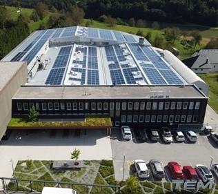 GEN-I Sonce na streho proizvodnega obrata TEM Čatež postavil 285 kW sončno elektrarno