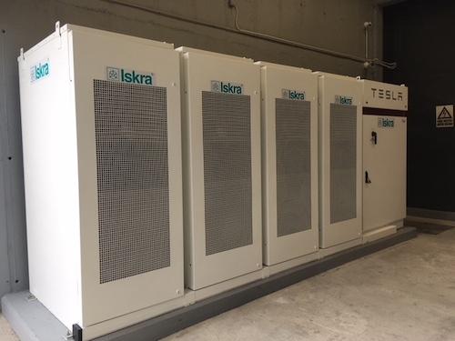 Analitiki: Baterijskim hranilnikom bi cenovni dvigi in nihanja lahko koristili