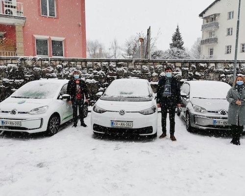 V Kranju zagnali projekt e-mobilnosti, ki med drugim predvideva postavitev hranilnikov