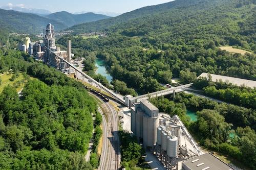 Salonit Anhovo in SENG snujeta skupen projekt proizvodnje sončne energije in vodika